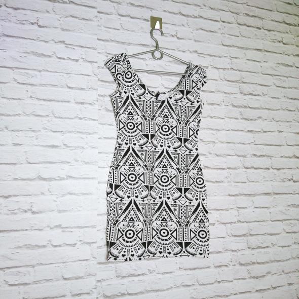2e7b371f17 Czarno biała sukienka wzór typu aztec z HM w Suknie i sukienki ...
