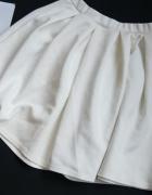 Missguided ładna rozkloszowana spódnica S M ecru