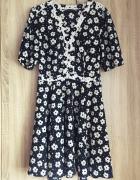 Czarna sukienka w białe kwiatuszki L river island...