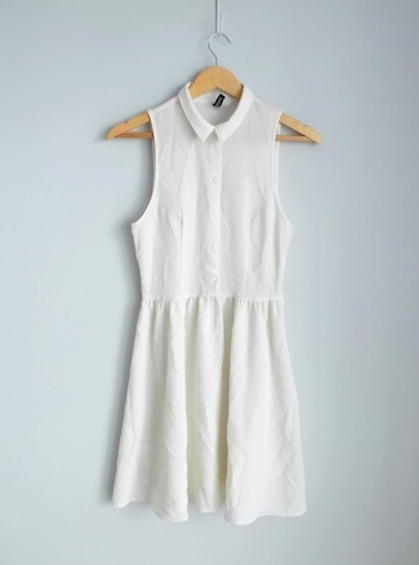 33dfc8164a HM sukienka ecru z kołnierzykiem w Suknie i sukienki - Szafa.pl