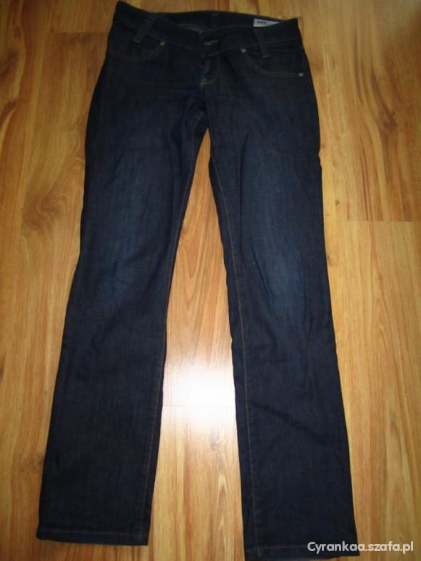 Prawdziwy jeans LEE...