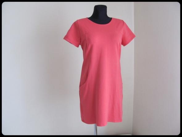 Suknie i sukienki Prosta klasyczna sukienka koralowa elastyczna 42 XL