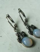 kolczyki srebrne opale motyw roślinny 925