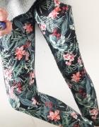 3 RZECZ GRATIS legginsy z zipami w kwiaty Bershka M 38