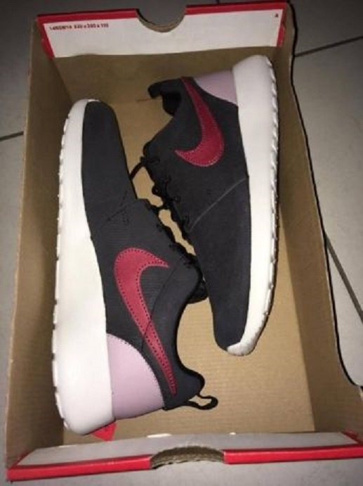 Nike Roshe Run One Suede...