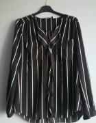 Czarna bluzka w paski...