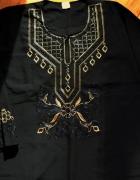 Długa luźna suknia z pięknym haftem 4446
