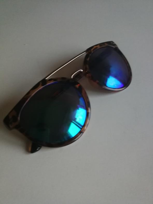 Okulary przeciwsłoneczne H&M...