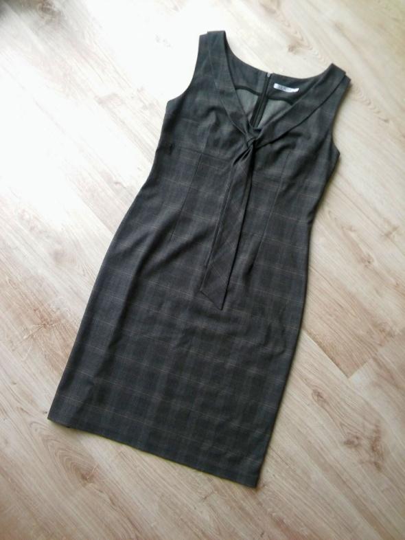 elegancka grafitowa sukienka w kratkę ozdobny dekolt rozm 42 XL