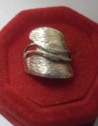 Srebrny artystyczny pierścionek