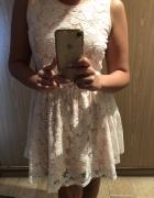 Morelowa sukienka z koronką...
