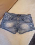 Dżinsowe krótkie spodenki z dziurami normal waist 36 S...