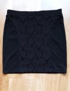 Spódniczka czarna mini z koronką