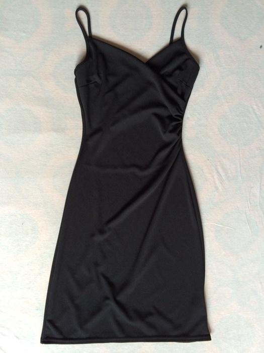 Czarna sukienka 34...