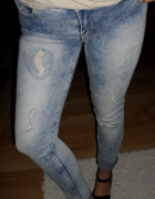 Cudne jeansy dziury przetarcia rurki Cropp