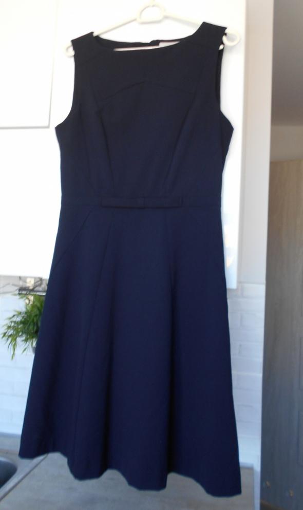 5caee024c9 Suknie i sukienki HM nowa elegancka sukienka granatowa kokardka  rozkloszowana wesele