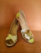 Piękne srebrne sandałki 37