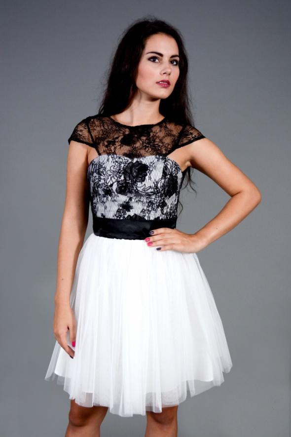 Suknie i sukienki DeVu model Wirginia black szyta na zamówienie