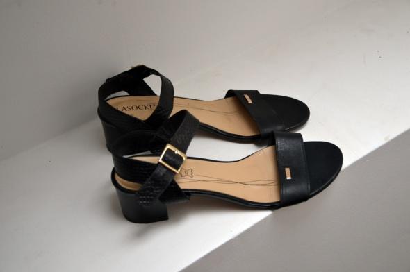 Czarne sandały lasocki 39...