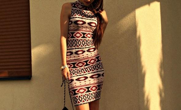 Blogerek 206 Sukienka w azteckie wzory