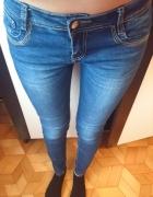 Dżinsy rurki granatowe M spodnie ozdobne