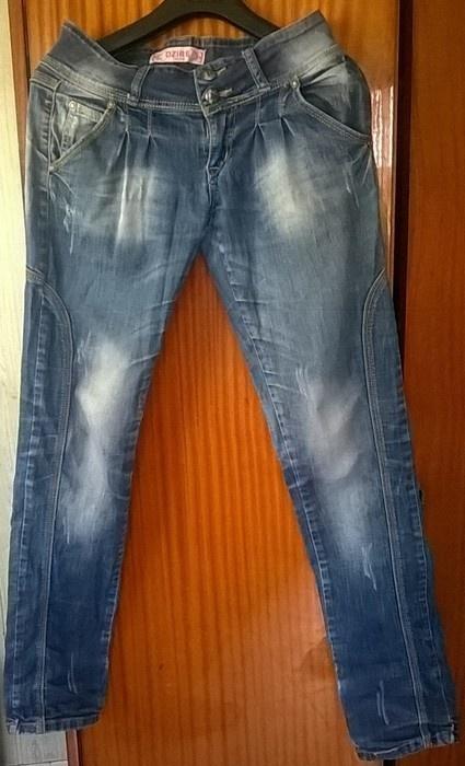 spodnienie jeansy przecierane
