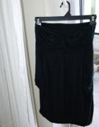 Luźna krótka czarna sukienka...