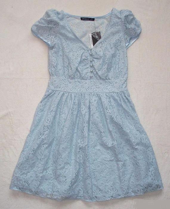 Błękitna koronkowa sukienka atmosphere 36
