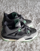 AIR JORDAN RETRO 4 GREEN GLOW...