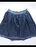 Zwiewna jeansowa spódniczka...