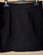 Czarna mini spódniczka...