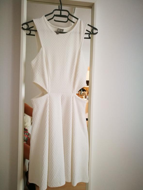 Biała sukienka asos z wycieciami...