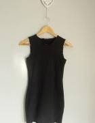 Topshop czarna mini sukienka z wytłaczanego materiału...