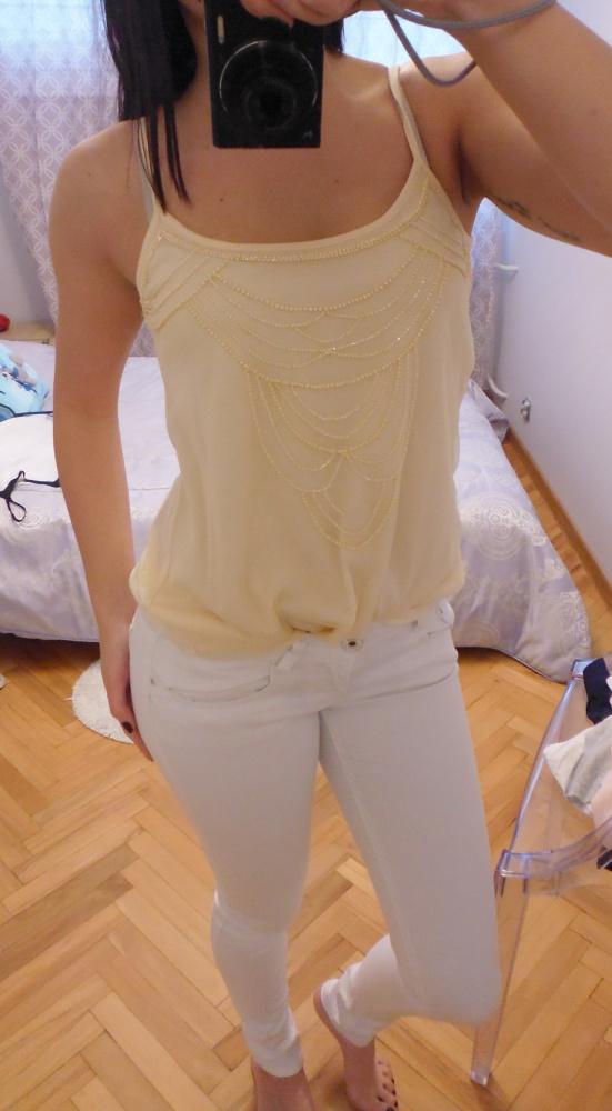 pudrowa bluzeczka na ramiączkach koraliki...