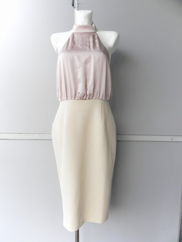 Asos gratis dopasowana sukienka połączone materiały 42