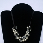 Naszyjnik klasyczne perły na wstążeczce