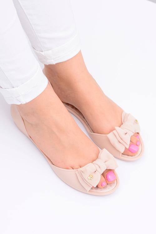 Gumowe sandały baleriny meliski kokarda beżowe