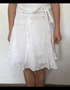 Biała przewiewna spódnica na lato