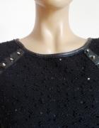 świetny czarny sweter z wstawkami z ekoskory ćwiekami i cekinami