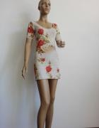 krótka letnia sukienka w kwiaty