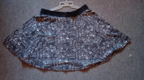 spódniczka mini rozkloszowana