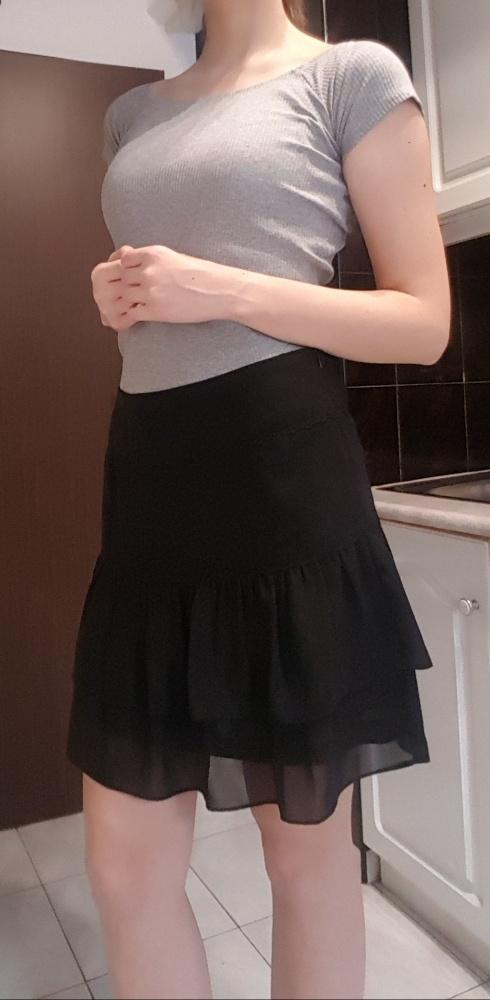 Czarna krótka tiulowa spódnica z falbankami S M