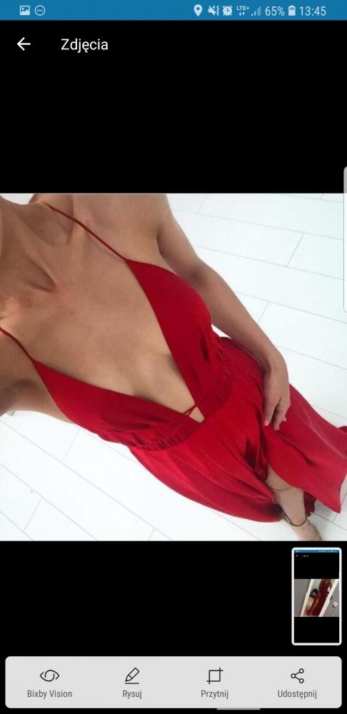Mega sukienka bez pleców