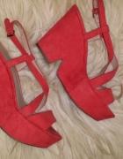 krzyżowane sandałki Zara koralowe...