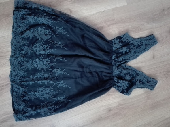 Sukienka Asos hafty...