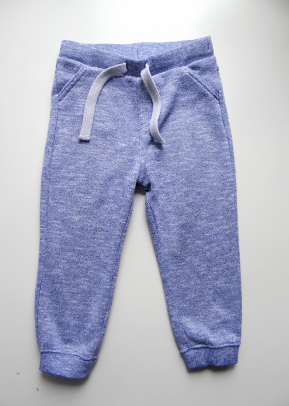 Niebieskie dresowe spodnie F&F rozmiar 86...
