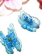 Piękne błękitne spineczki motylki