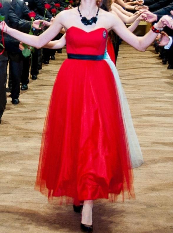 czerwona tiulowa sukienka księżniczka gorset S M