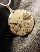Steampunk naszyjnik mechamizm zegarka z rubinkowymi cyrkoniami