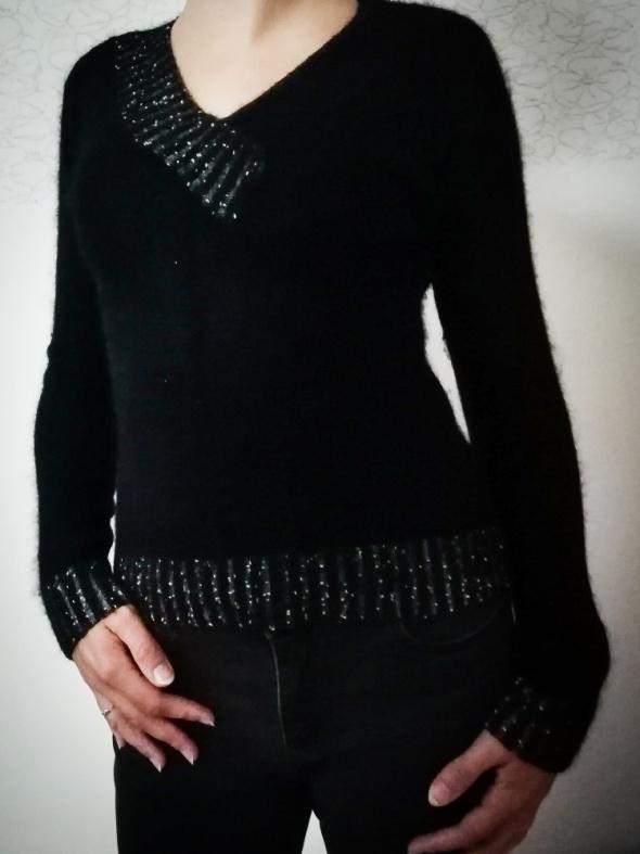 Swetry Wełniany czarny sweter